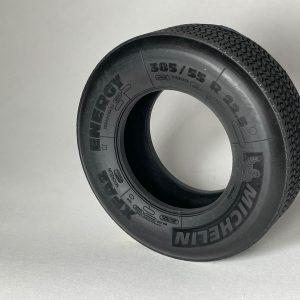 114 Customs Michelin trailer tire fury bear 2